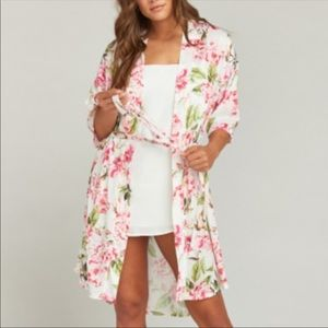 Show me your mumu robe one size super cute EUC